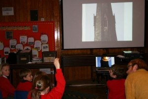 Pupils look at images of key Civil War sites
